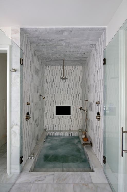 Steps Down To Bathroom Design Ideas