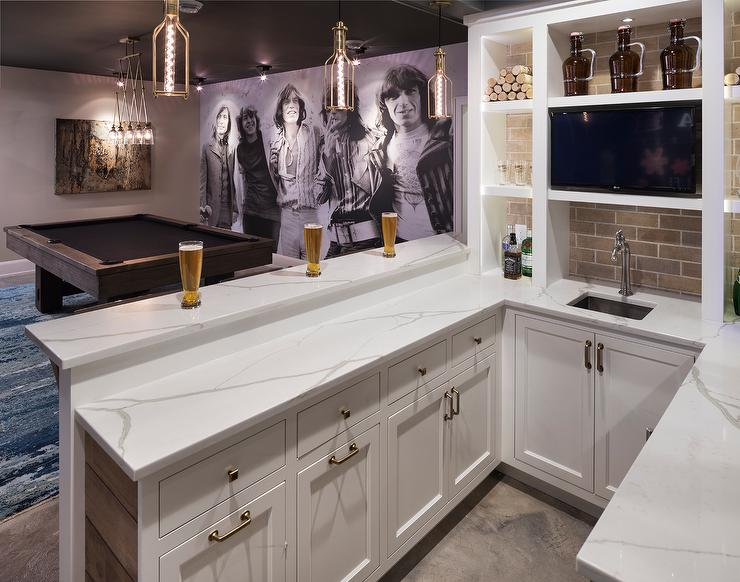 Basement Wet Bar Design Ideas on Small Wet Bar In Basement  id=53352