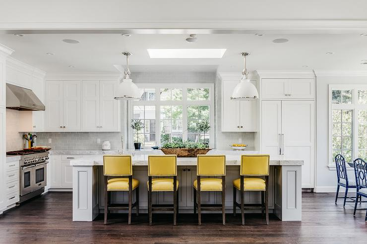 White Cottage Kitchen With White Leather Counter Stools Transitional Kitchen