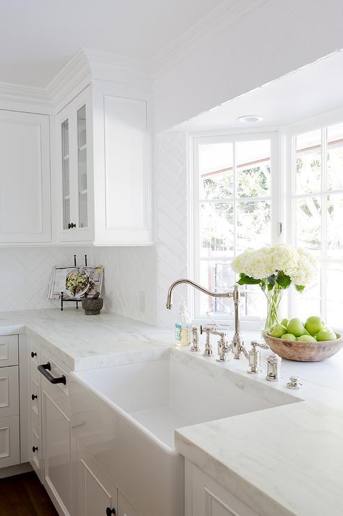 farm sink in kitchen bay window
