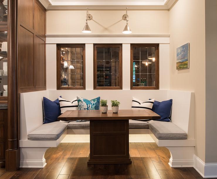 U Shaped Banquette Cottage Dining Room M E Beck Design