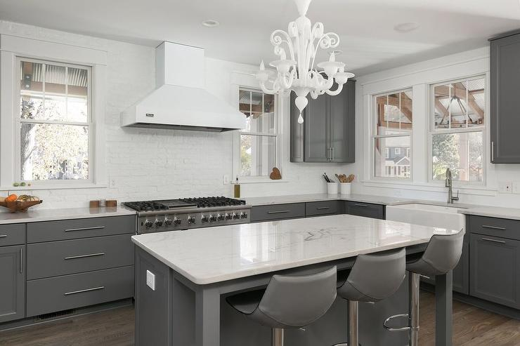 Charcoal Gray Kitchen Island Design Ideas