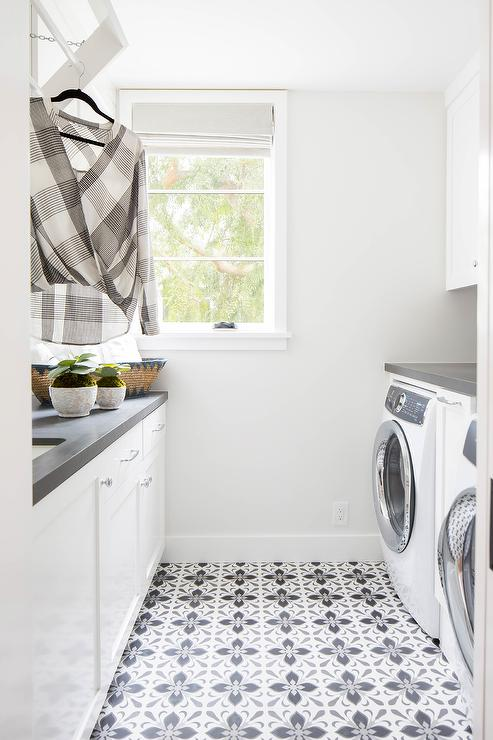 Fleur De Lis Bathroom Tiles Design Ideas