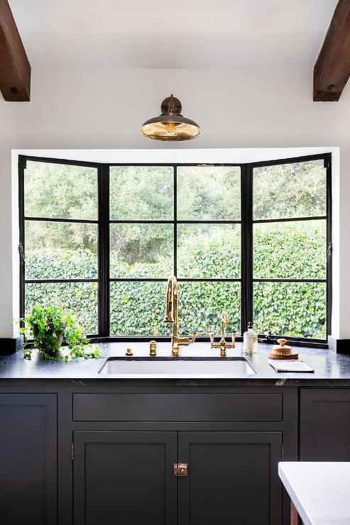 kitchen sink in bay window
