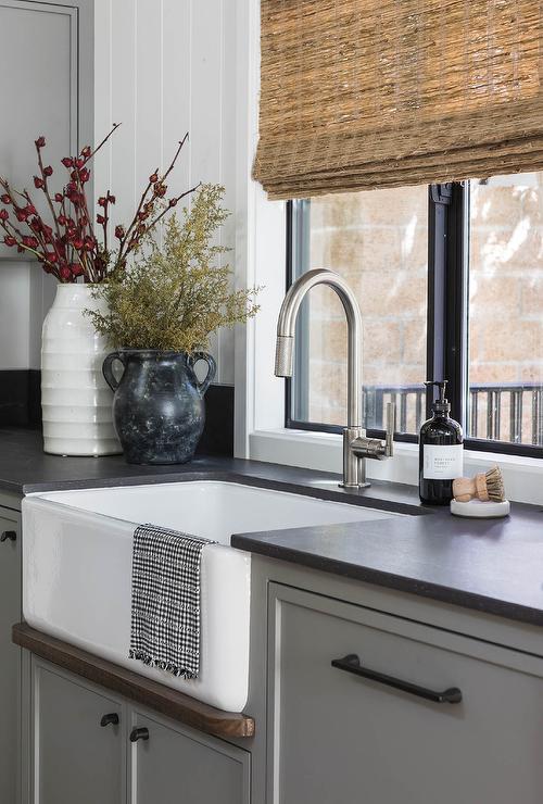 brushed nickel faucet design ideas