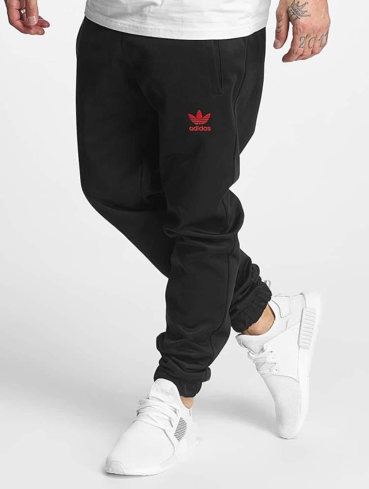 adidas Männer Jogginghose Winter in schwarz