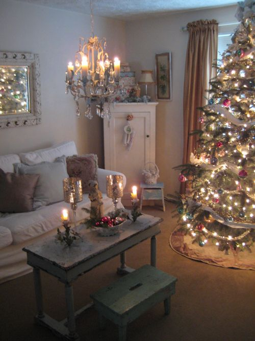 41 Christmas Decoration Ideas for Your Living Room -DesignBump on Room Decorations  id=30757