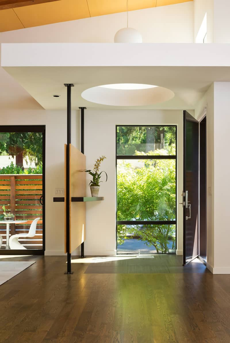 Warm Contemporary Interior Design by GS Architects, USA on Backyard:uuezyx-Hy-8= Landscape Design  id=46585