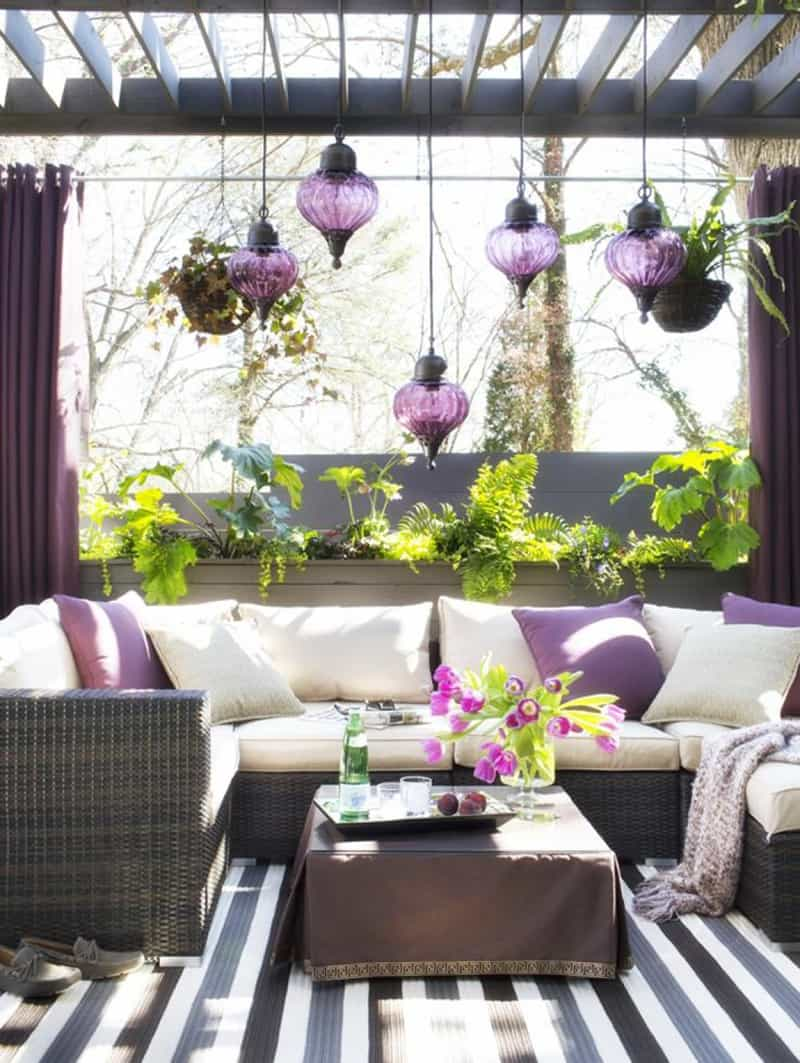 25 Stunning Outdoor Living Spaces on Small Backyard Living Spaces  id=33650