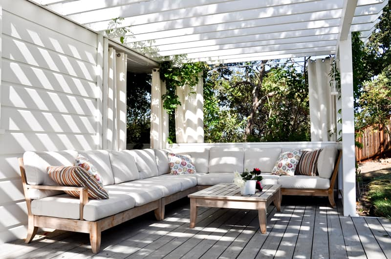 25 Stunning Outdoor Living Spaces on Designer Outdoor Living  id=95662