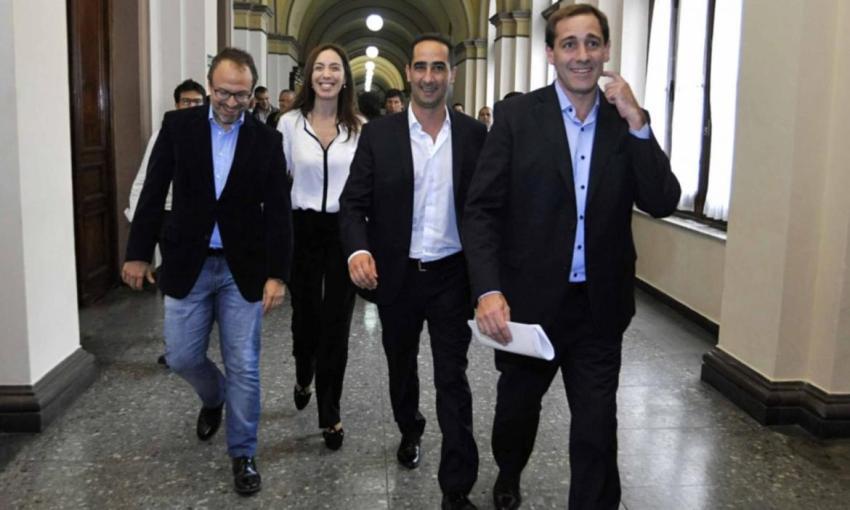 Intendentes de Juntos por el Cambio buscan despegarse de Macri para revertir resultados