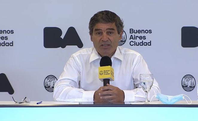 Quirós volvió a pedir disculpas por la desorganización y demoras para vacunar a mayores de 80 años