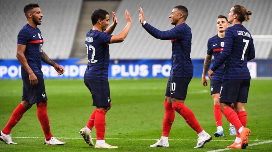 Vídeo: França se prepara para clássico na estreia da Euro
