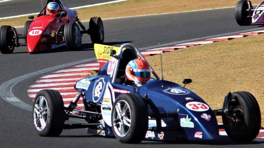 Piloto paraense mantém liderança na Fórmula Vee