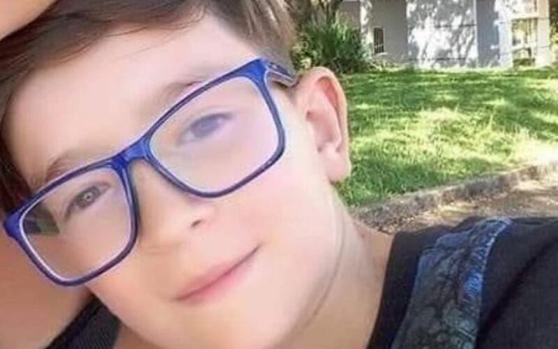 Menino de 11 anos é morto pela mãe