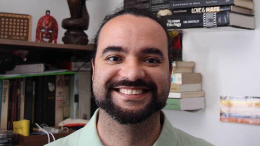 Marco Antonio Corrêa Varella é um dos membros do grupo internacional que faturou o IgNobel de Economia de 2020
