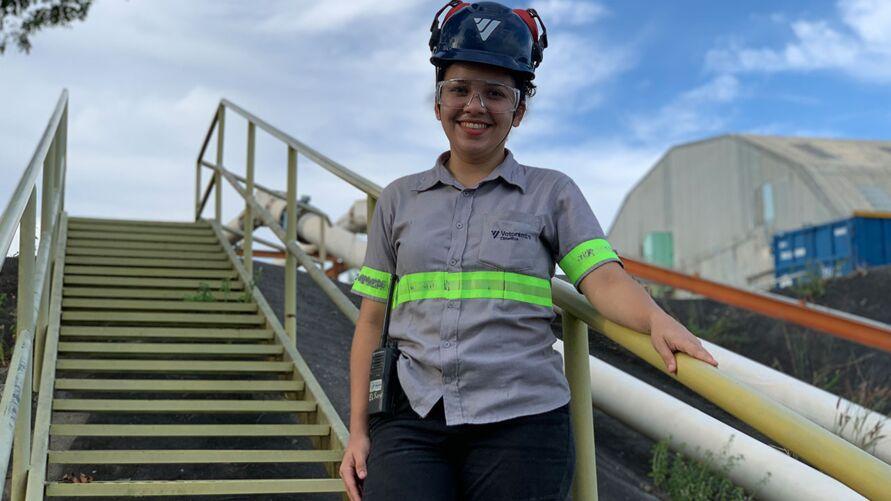 Celciane Chaga fez estágio na VC de Manaus e hoje é Assistente de Manutenção