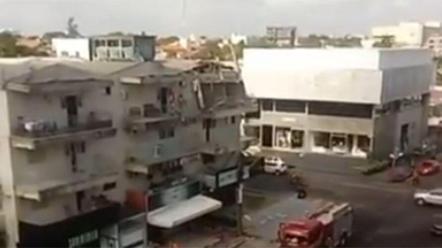 Imagem ilustrativa da notícia Edifício tem estrutura danificada e ameaça desabar em Macapá