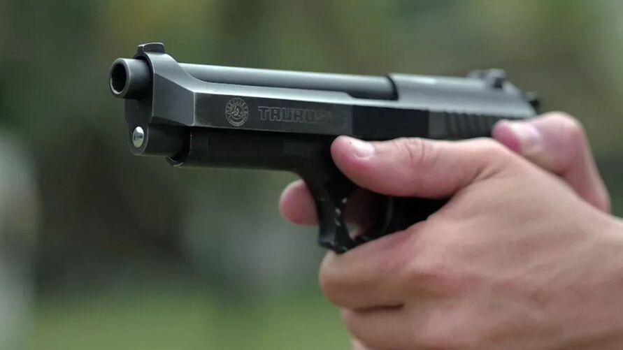 Suspeitos tinham hora marcada com os advogados. As vítimas foram mortas com tiros na nuca.
