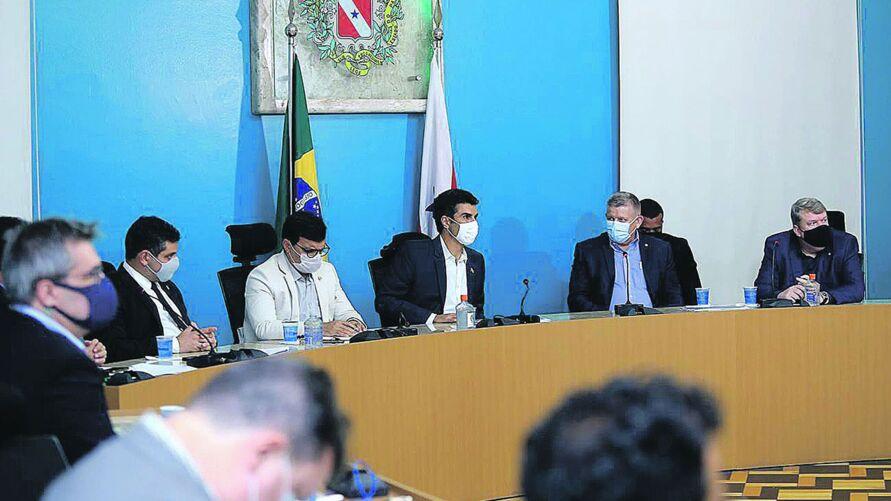 Governador Helder e outros representantes do Governo se reuniram, na tarde de ontem, com membros da cúpula da empresa Hydro