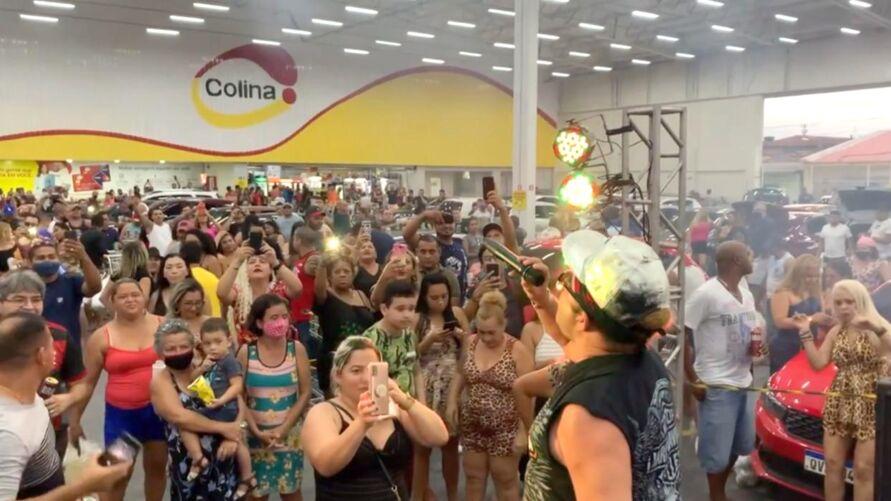 Imagem ilustrativa da notícia Vídeo: supermercado faz festa e aglomera dentro de estacionamento em Ananindeua