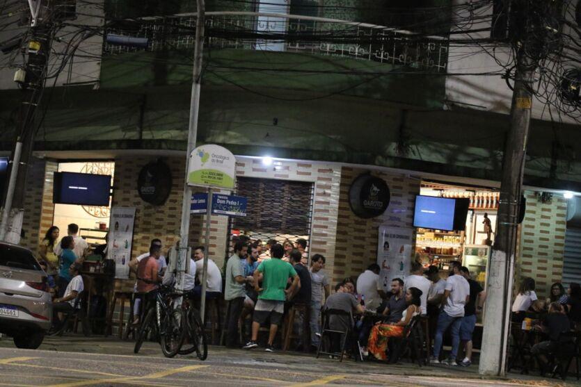 Imagem ilustrativa da notícia: A movimentação nos bares de Belém após decreto que liberou funcionamento