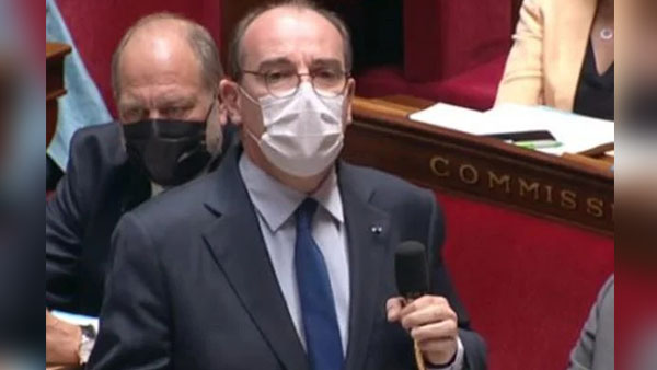 O Primeiro-ministro francês arrancou risadas de parlamentares ao citar o Brasil e medicamentos defendidos pelo presidente da república.