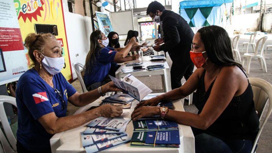 Equipe do Procon em ação de orientação sobre os direitos do consumidor, iniciativa que é parte da rotina do órgão, em todo o Pará
