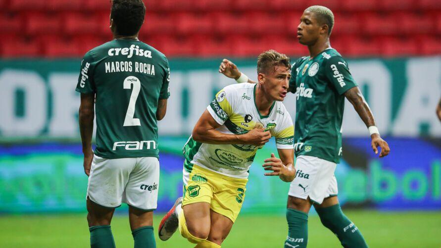 Palmeiras levou a virada nos acréscimos