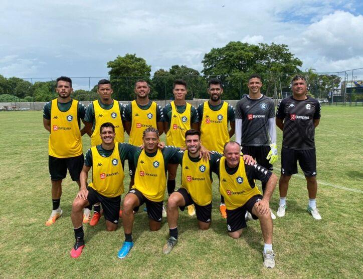 Jogadores do Remo após treino no CT do Retrô, em Recife-PE.
