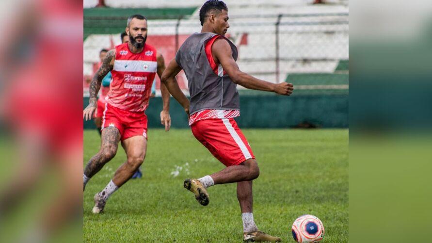 Jogadores da Tuna fizeram o último treino na segunda-feira (20) antes da viagem à Marabá