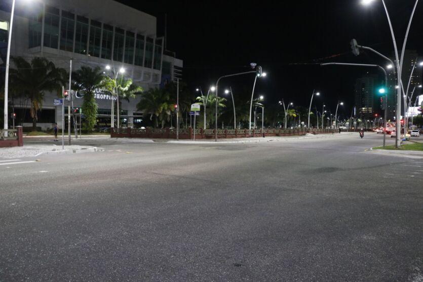 Imagem ilustrativa da notícia: Veja imagens do lockdown em Belém na noite desta sexta (26)