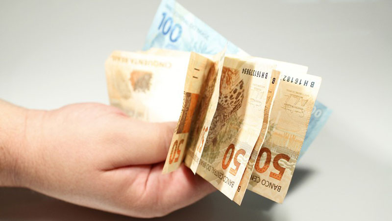Imagem ilustrativa da notícia Governo confirma parcela de R$ 250 e vai publicar MP nesta sexta (12)