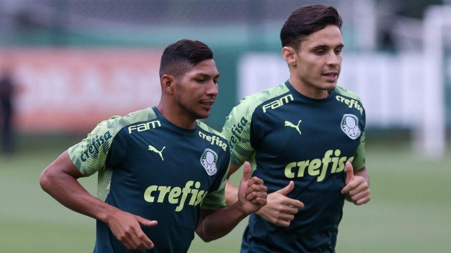 Ao lado de Rony, Veiga foi um dos destaques da temporada do Palmeiras em 2020.