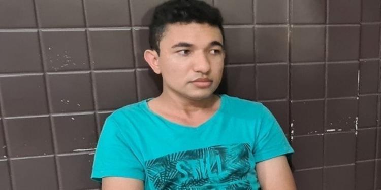Edney Ramos da Silva, de 23 anos, é suspeito de fingir ser oficial de justiça para aplicar golpes