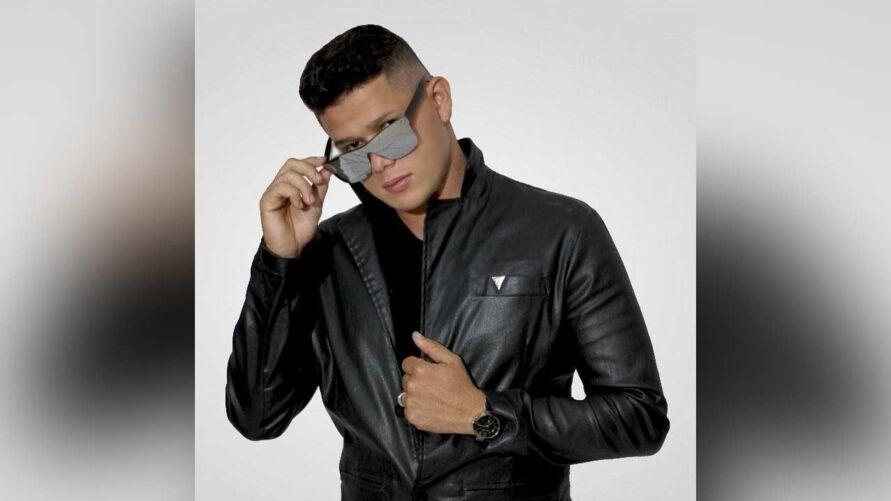 Daniel Araújo vai cantar o novo single e repertório eclético em live no YouTube