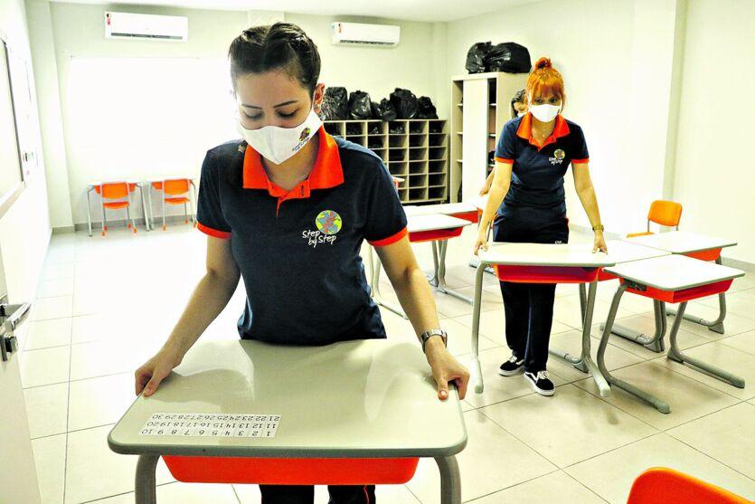 Escolas particulares  foram autorizadas a retornar suas atividades presenciais.