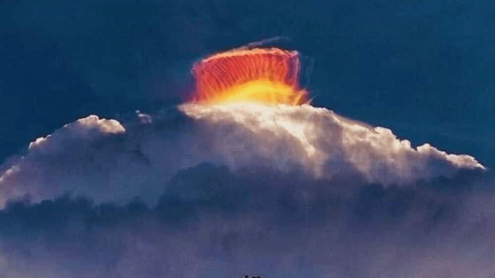"""""""Nuvem arco-íris"""" se formou no céu e surpreendeu os moradores"""