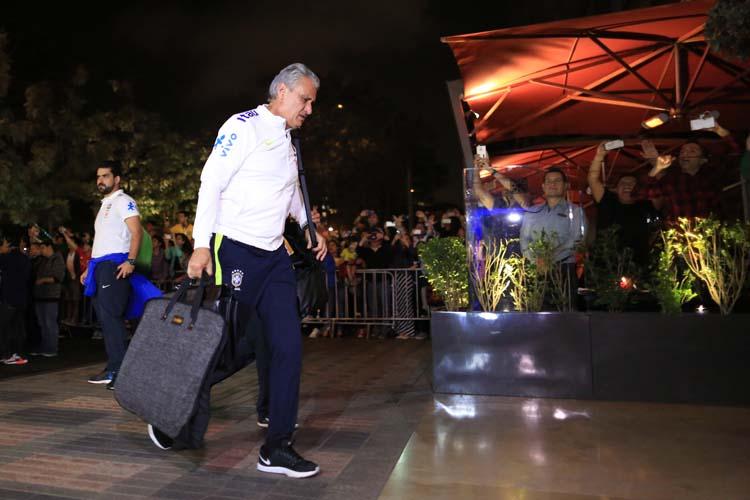 Seleção brasileira chega em Lima, no Peru