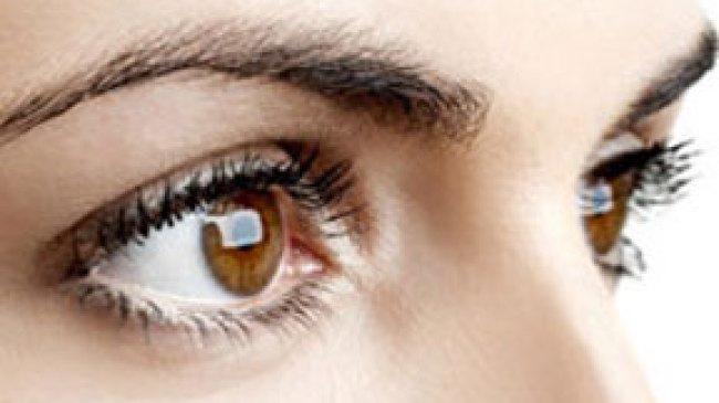 Kosmetik Dapat Memicu Rontoknya Bulu Mata