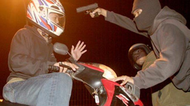 Kediri, Makan Bebek Goreng, Sepeda Motor Raib di Gondol Maling