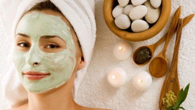 Gunakan masker untuk bersihkan Wajah Menyeluruh