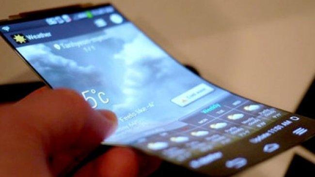 Apple Tak Mau Buat Smartphone Layar Fleksibel