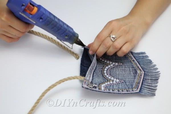Gluing rope handle onto diy denim bag