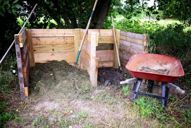 DIY kompost kutusu.