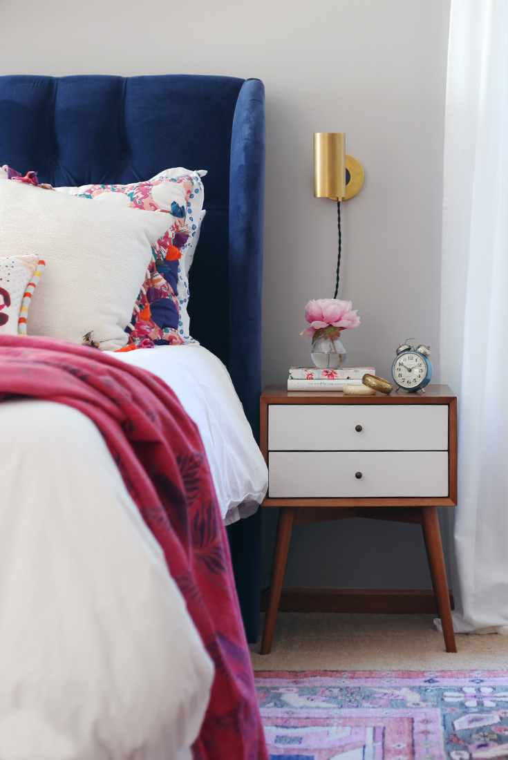 25 Examples of Bohemian Home Décor on Boho Modern Bedroom  id=41830