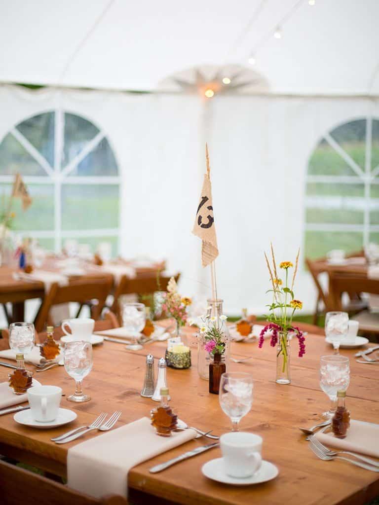 15 Wedding Table Decor Ideas That You Can DIY