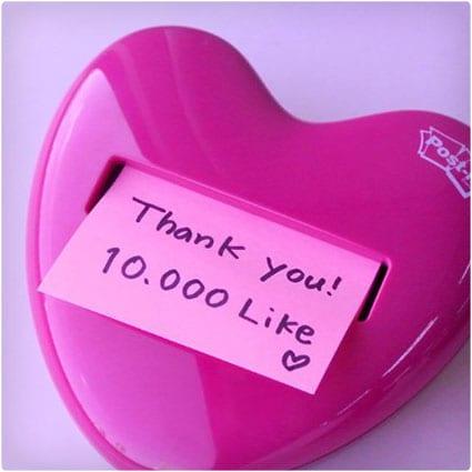 Pink-Heart-Post-It-Dispenser