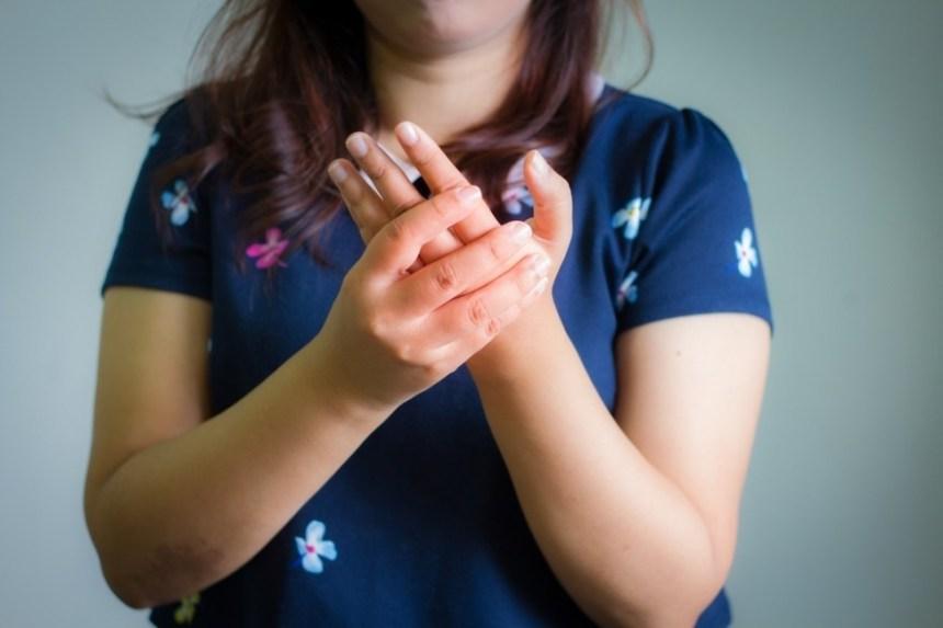 mani di crampi