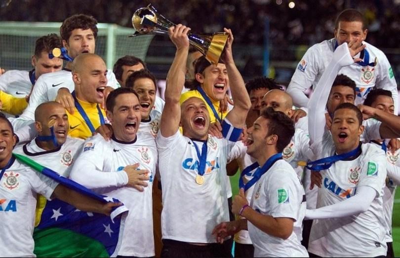 Resultado de imagem para Justiça determina penhora da taça do Mundial de Clubes do Corinthians